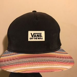 VANS SNAP BACK HAT PERFECT CONDITION
